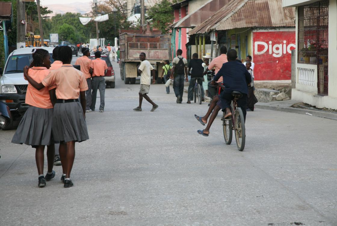 Haïti,city, street, girls