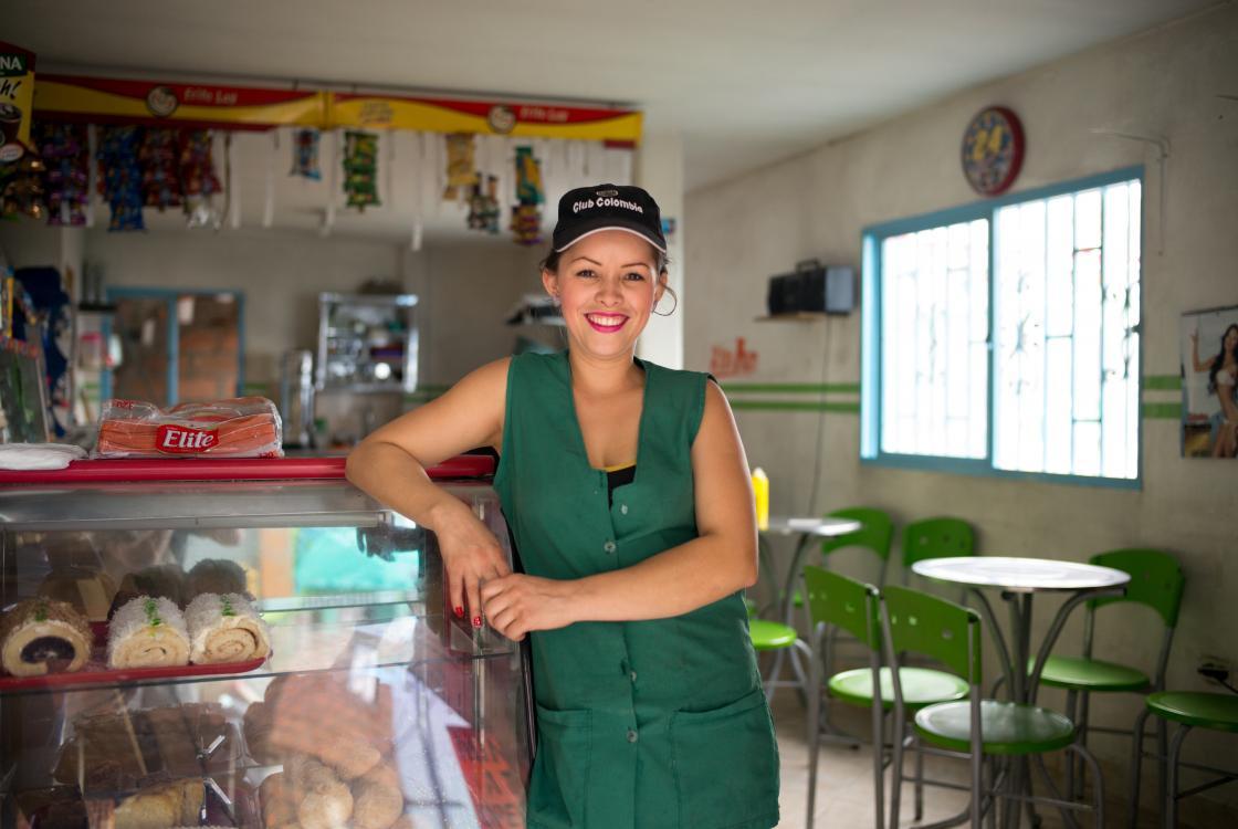 Femme, commerce, Medellín, Colombie