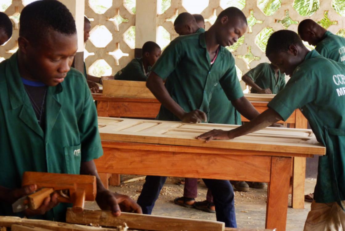 Jeunes, apprentis, formation professionnelle, Bénin