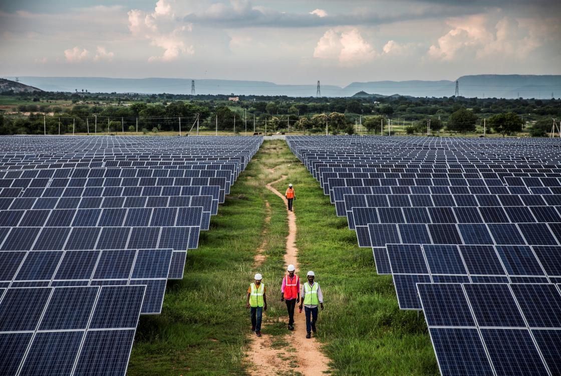 Centrale solaire New Era, Inde, panneaux solaires, énergies renouvelables