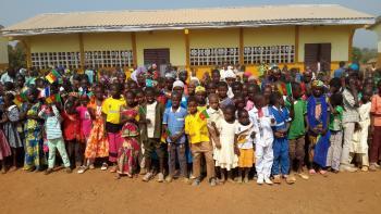 Inauguration de nouvelles salles de classe au Cameroun, éducation