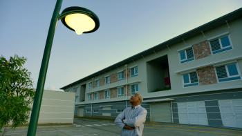 lampadaire, homme, énergie, Martinique