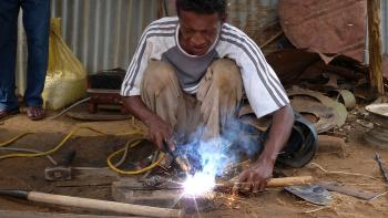 madagascar - travail - formation - industrie