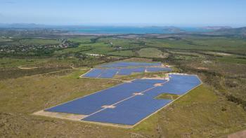 La plus grande centrale solaire avec stockage de France sur Boulouparis