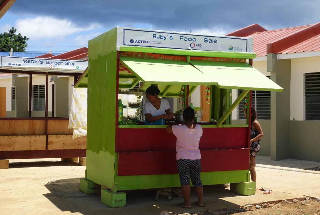 Commerce, marché, Guiuan, Philippines, Acted, reconstruction, typhon