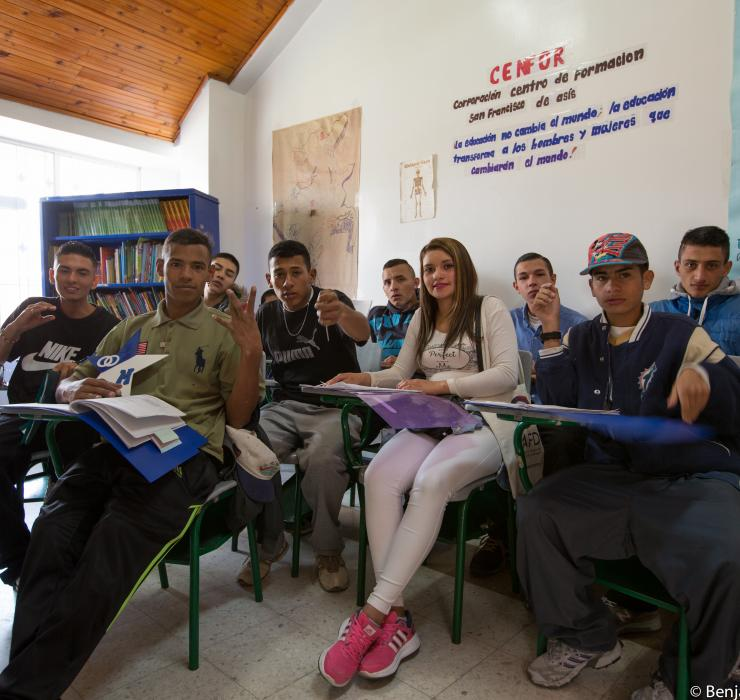Colombia, Education, group picture, classroom, Hemar