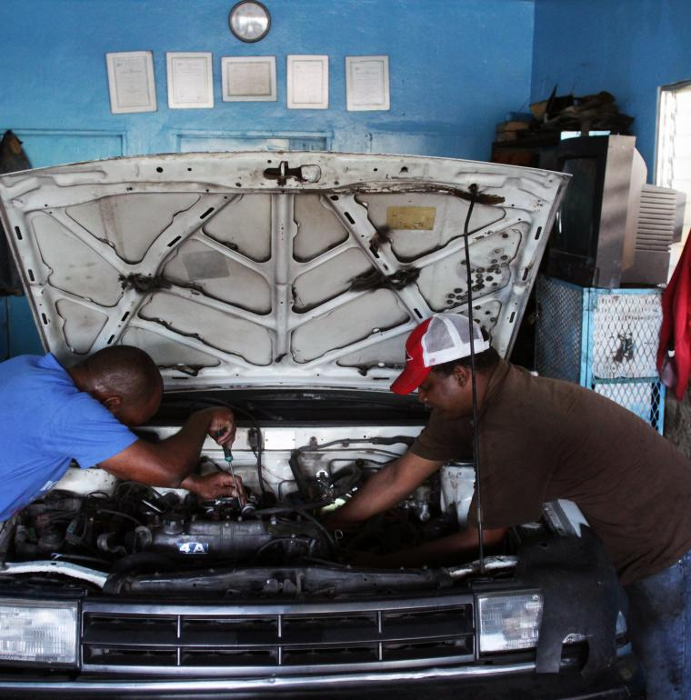 Dominican Republic, microcredit, car workshop