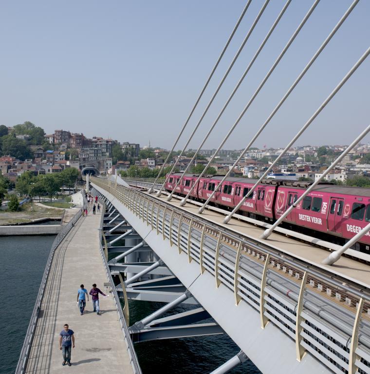 Tuquie pont de Haliç métro