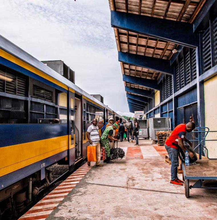 Transgabonais, Gabon, train, passagers, transport