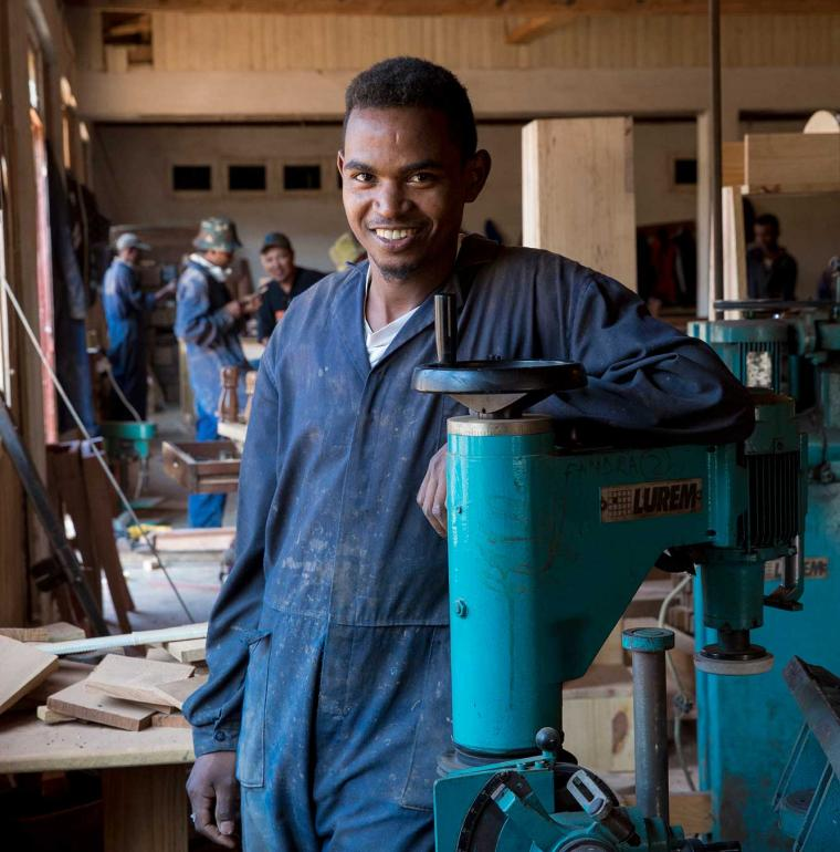 Man working for the company Label O Bois, Madagascar