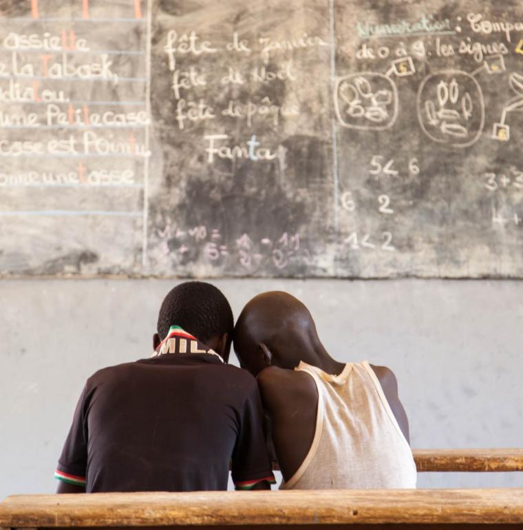 Guinée enfants garçons classe tableau élèves
