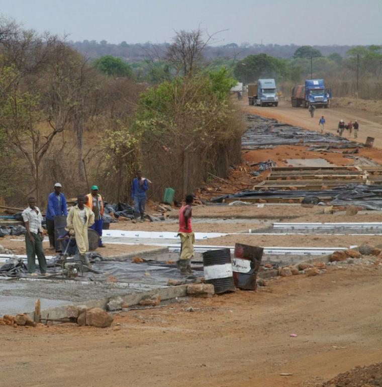 travaux route, frontière Zambie-Zimbabwe