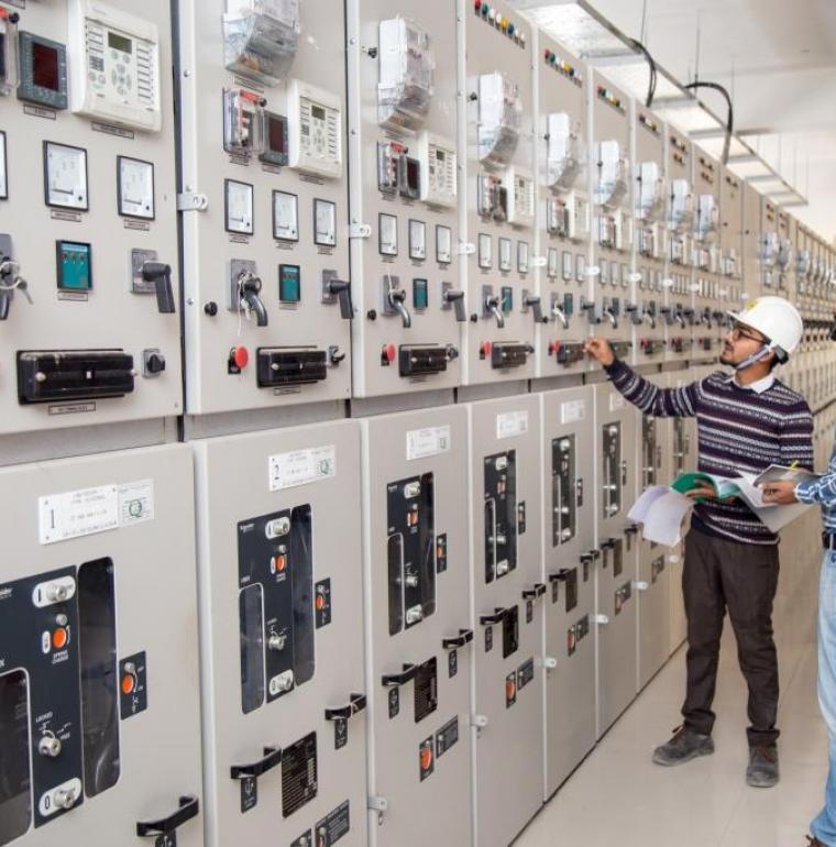 Bangladesh, réseau électrique, hommes, travail, agence française de développement