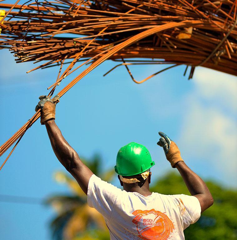 Construction d'une école à Trois Rivières, Guadeloupe, Gentilhomme