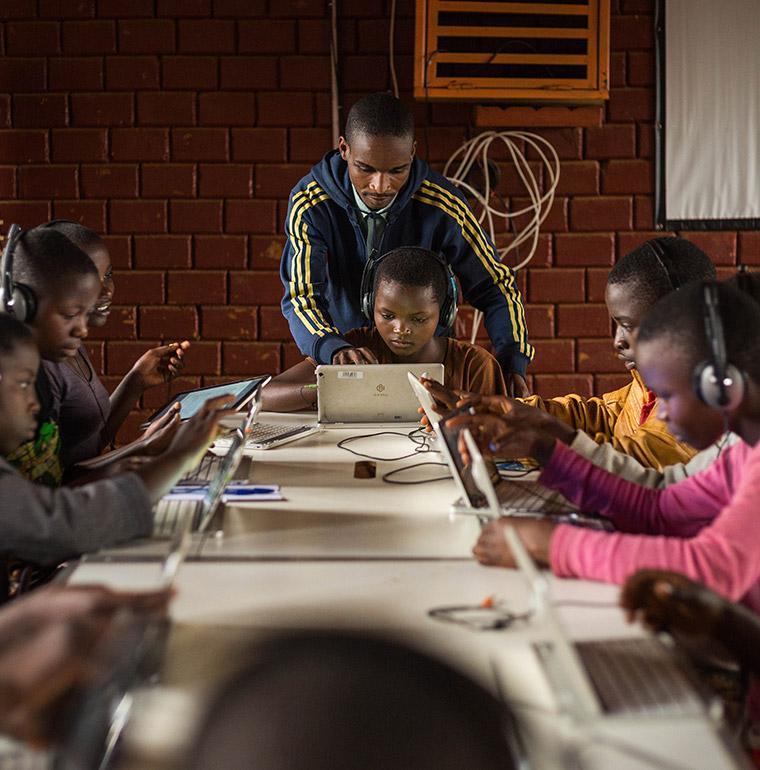 education, Burundi, digital