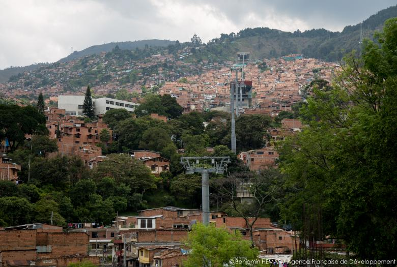 diapo - Medellín : transformation durable d'une ville - Image -