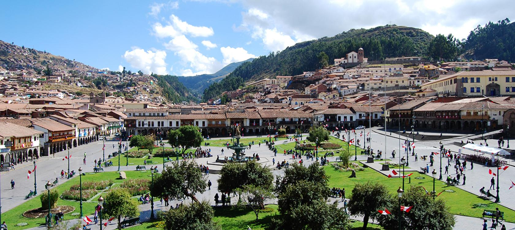 Peru - Page 7 Perou-Cusco-ville-place-Ion%20Eminescu_0