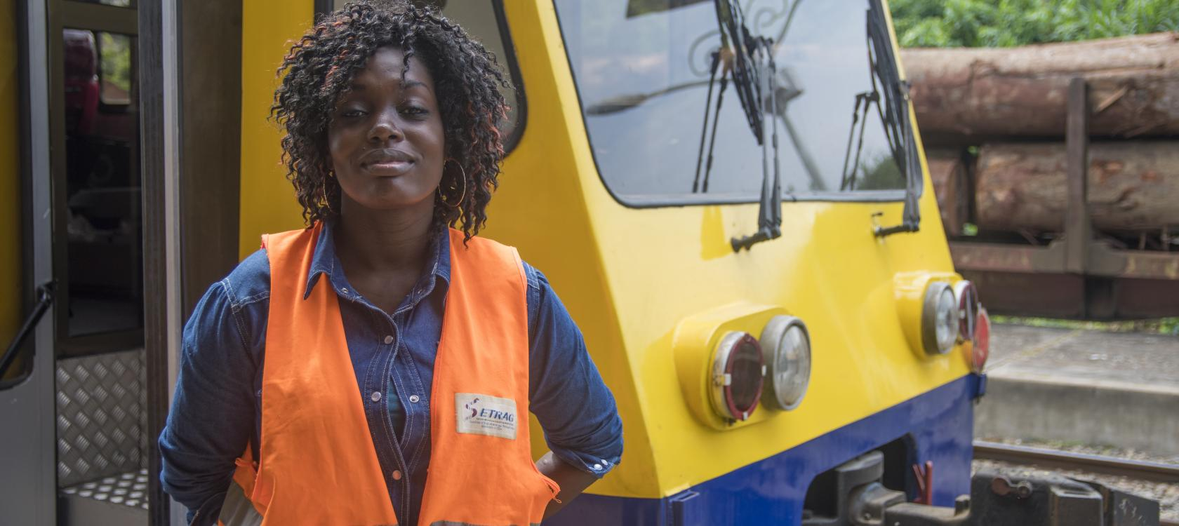 Transgabonais, train, woman, Gabon, transport