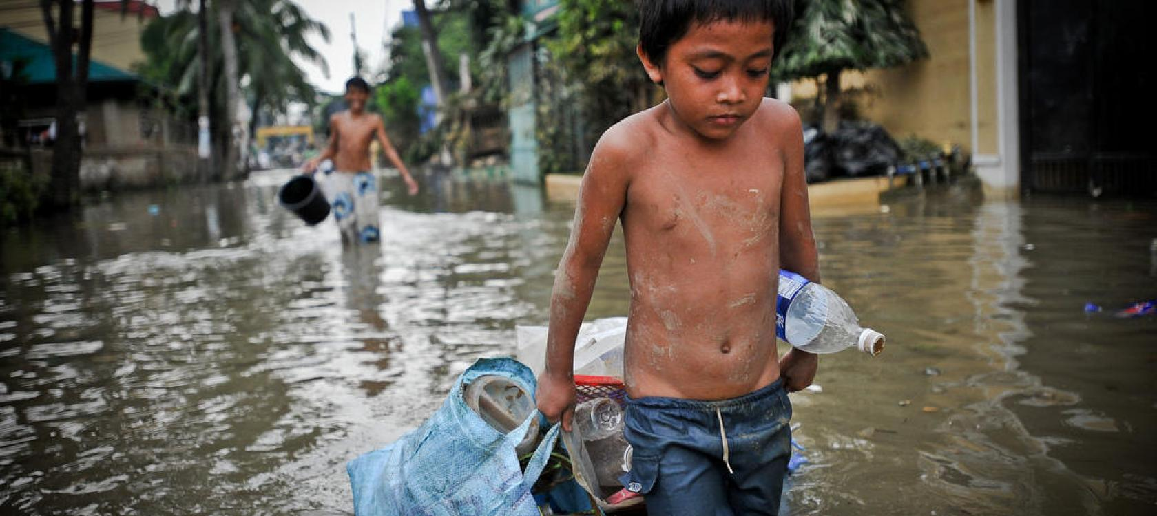 children, flood, Philippines