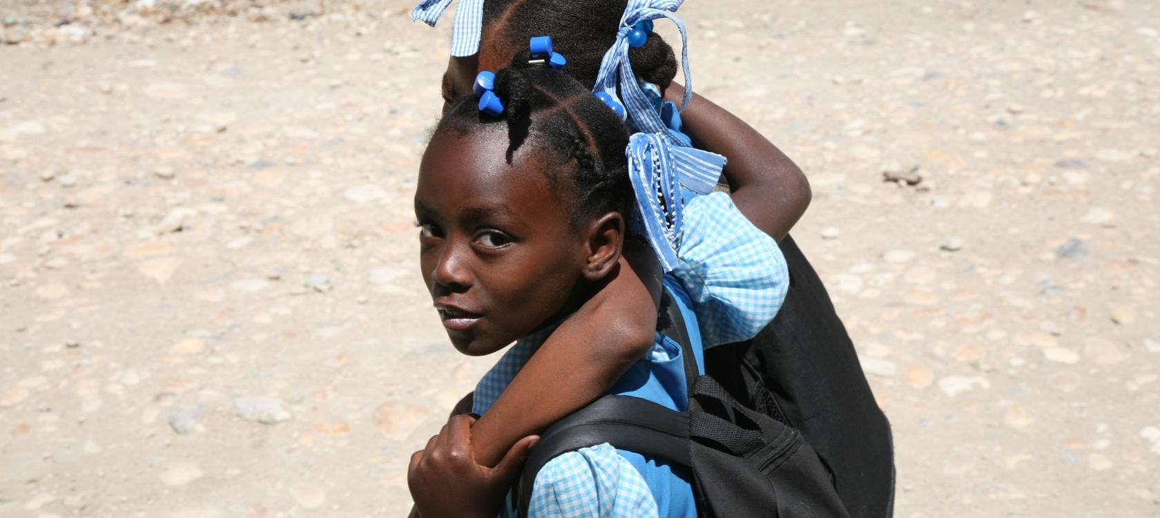 Young girls from Africa, five priorities to reduce inequalities through international cooperation